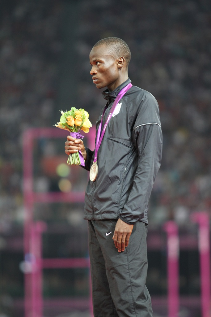 Nigel Amos sur le podium