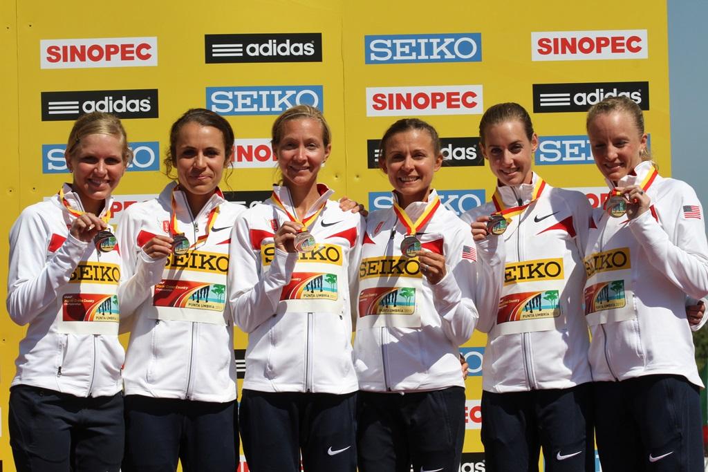 L'équipe américaine de cross médaillée de bronze en 2011 à Punta Umbria lors du Mondial