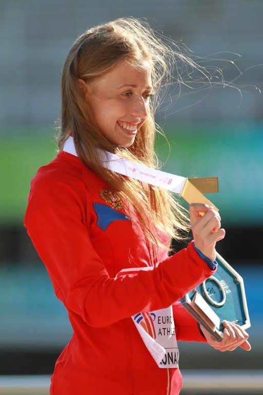 La marcheuse Kaniskina, au coeur du scandale du dopage en Russie, où l'on découvre qu'on dope les scolaires