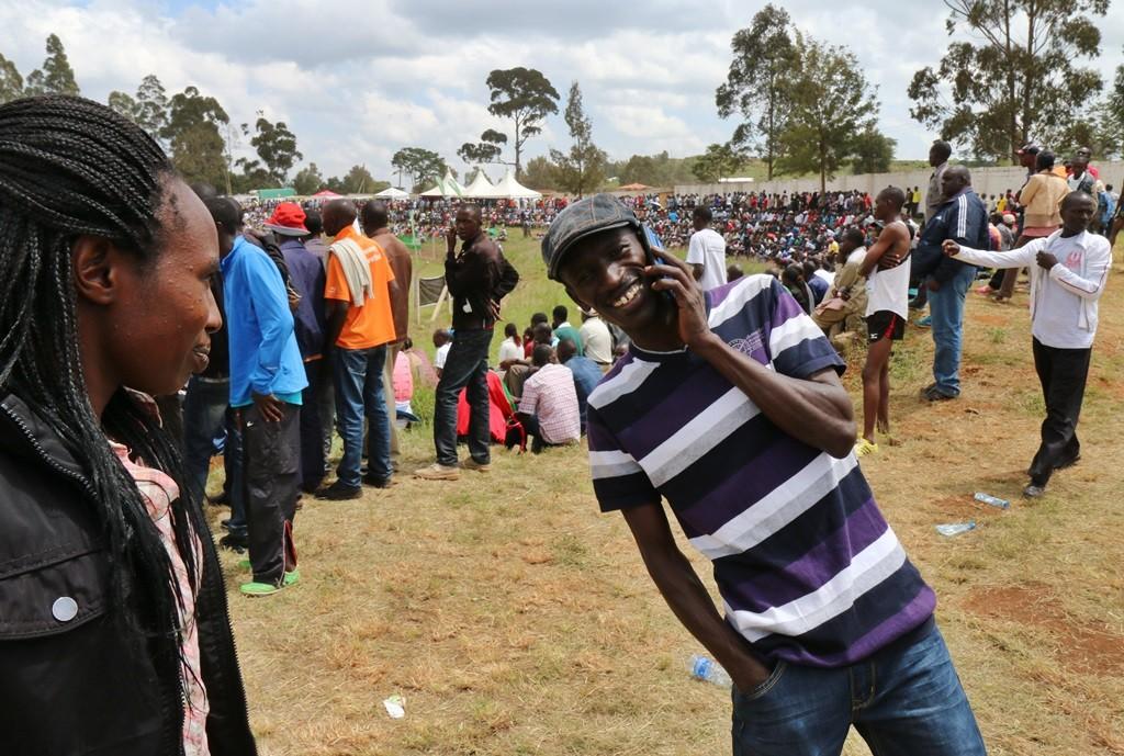 Ezekiel Kemboi chez lui à Eldoret très décontracté peu avant de partir pour courir à Eugene