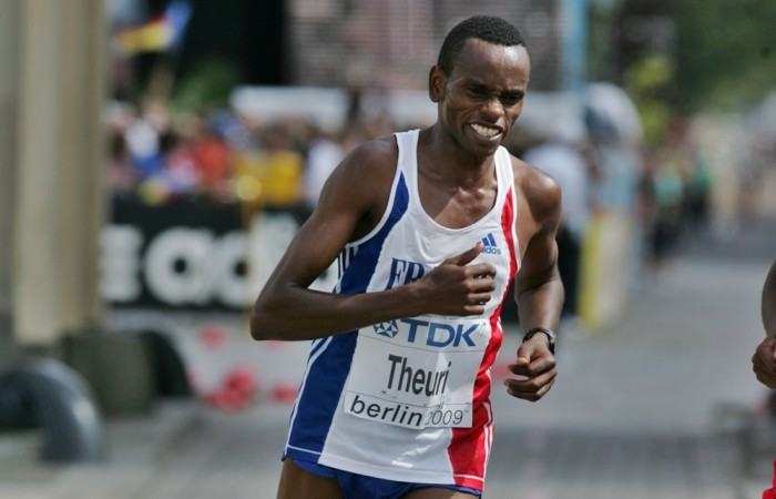 Pourquoi James Theuri conserve-t-il son titre de Champion de France de semi de 2014 ?