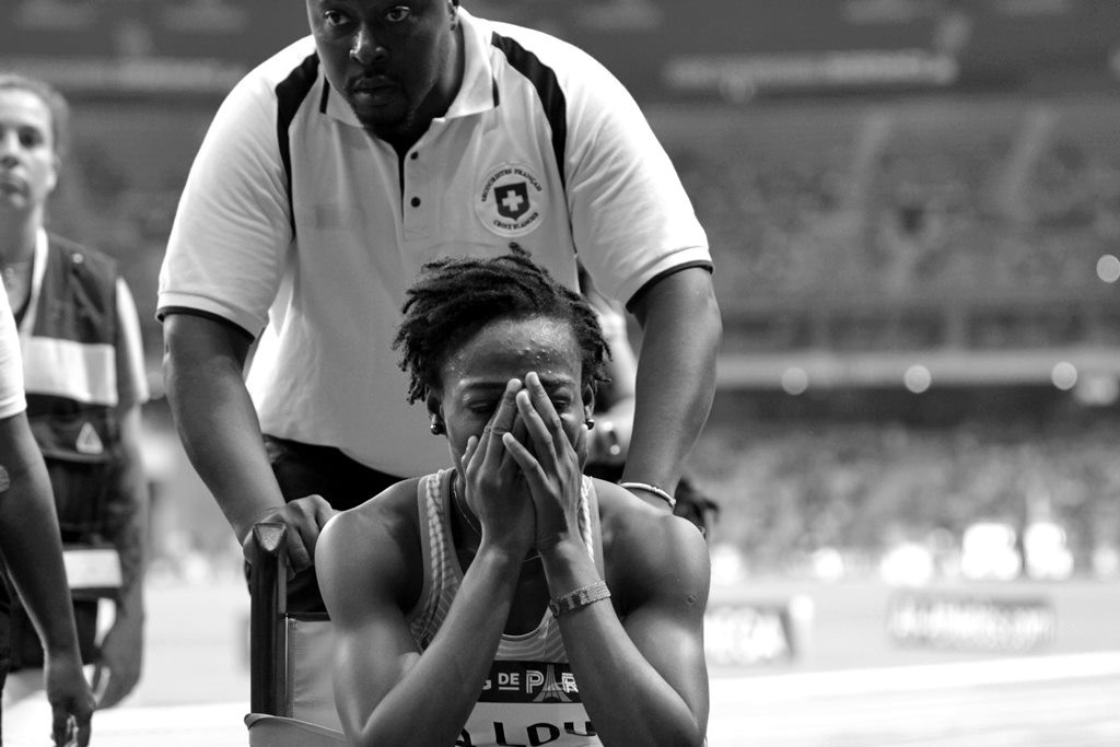 Saison terminée pour Marie Josée Ta Lou qui s'est écroulée sur la piste lors du 200 m
