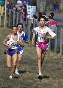 Fouad Chouki (en bleu) au France de cross 1994 avec Bouabdellah Tahri