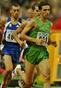 Fouad Chouki derrière Hicham El Guerrouj en finale du Mondial 2003