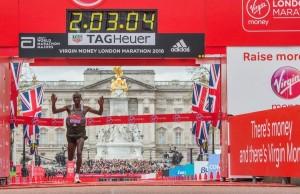 Eliud Kipchoge vainqueur à Londres avant son sacre de Rio