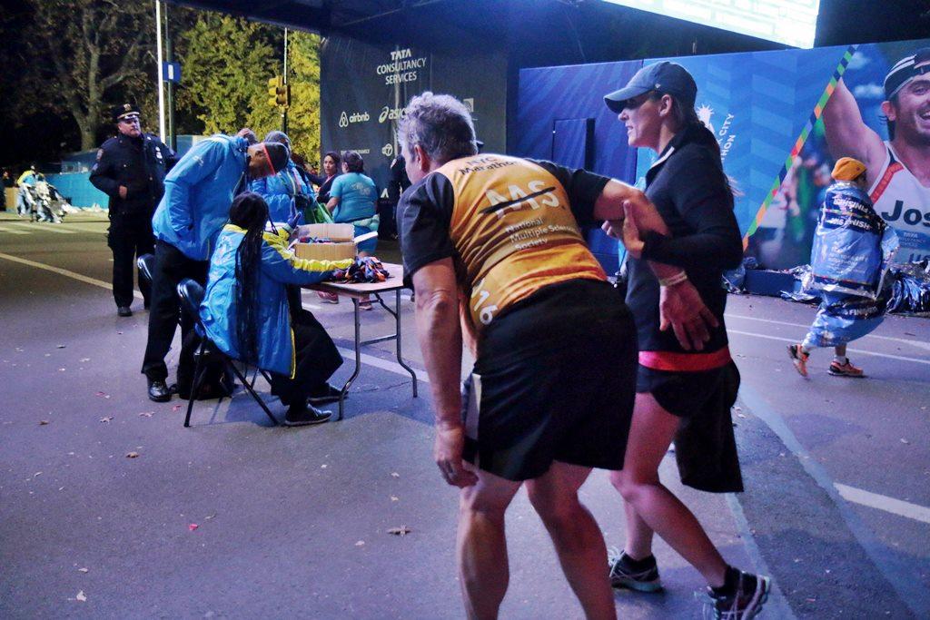marathon-de-new-york-finish-de-nuit-50