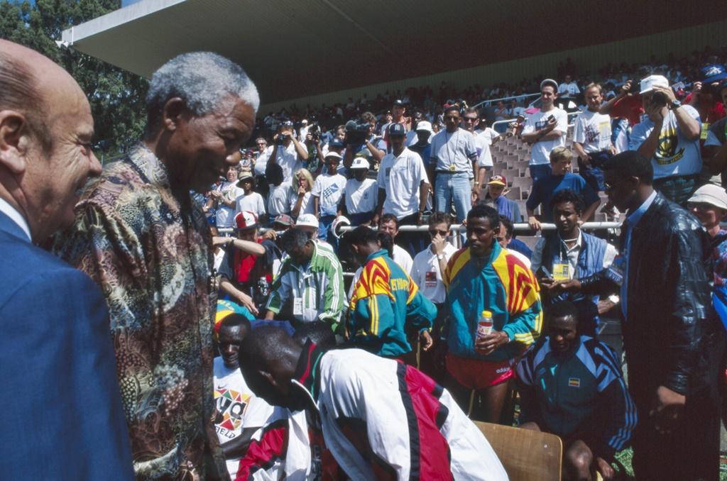 Nelson Mandela en compagnie de Primo Nebiolo