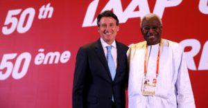 Lamine Diack, et Sebastien Coe, lors de son élection à la présidence de l'IAAF