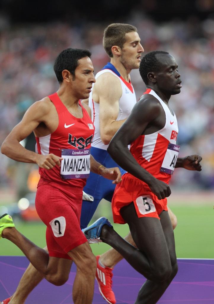 Florian Carvalho, Leo Manzano (USA) et Belal Mansoor Ali (Barhein)