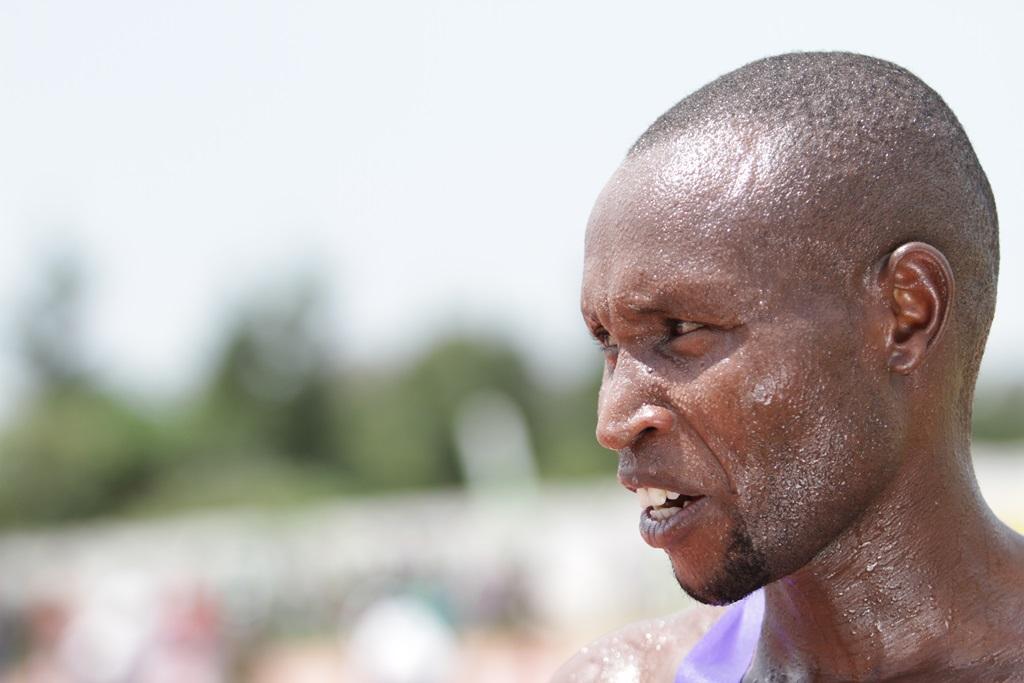 Geoffrey Mutai sur 10 000 m avant de revenir sur marathon