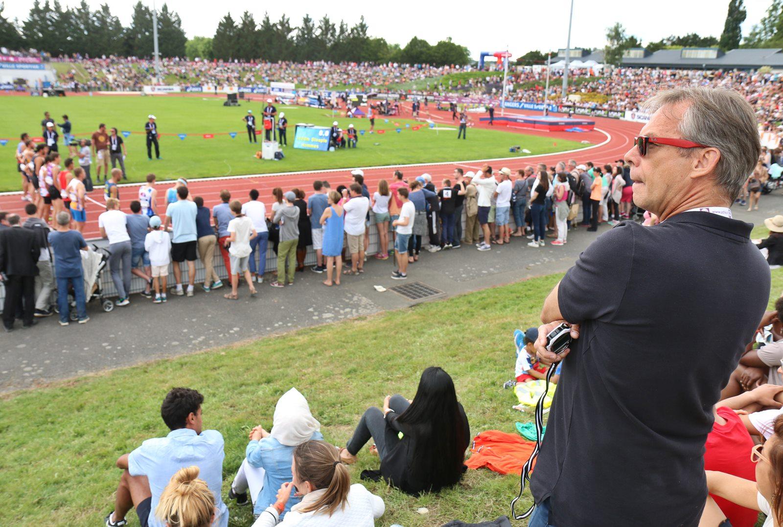 Philippe Dupont à Angers de la finale du 3000 mètres steeple remportée par Mahiedine Mekhissi