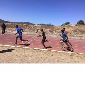 Mo Farah et Hamza Driouch à l'entraînement sous l'oeil de Jama Aden