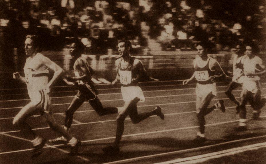 Le 5000 m de ce meeting est conduit par l'anglais Stewart