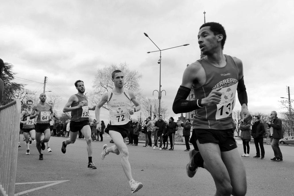 10 km d'Aubergenville La course est remportée par Youssef Mekdafou
