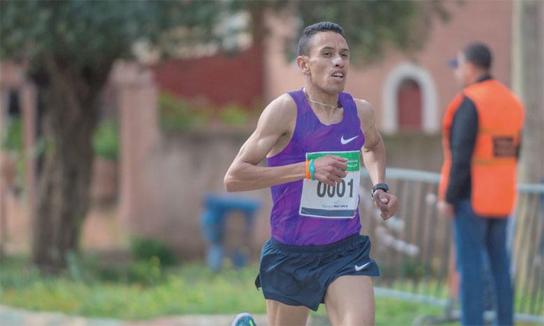 Analyse: un marathon de Valence explosif, avec Nicolas Navarro en 2h12′